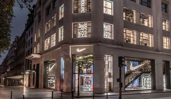 La House of Innovation de Nike a ouvert sur les Champs Elysées